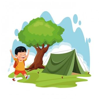 Camping escolar con carpa y niño de dibujos animados