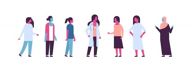 Cáncer de mama día raza mixta doctora mujeres consulta banner