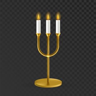 Candelero con velas de llama ardiente