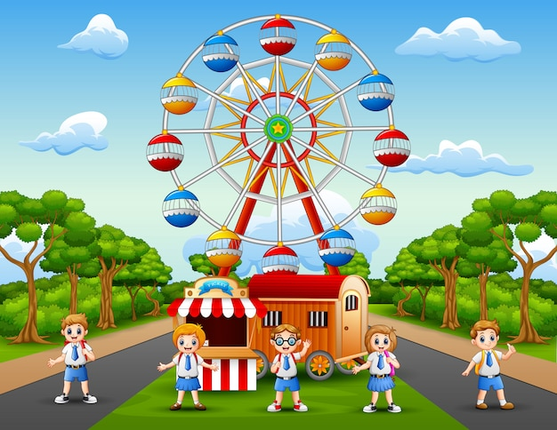 Caricatura de escolares divirtiéndose en el parque de diversiones.