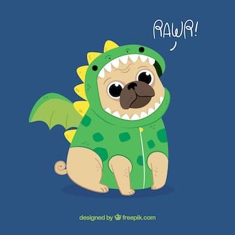 Carlino bonito con disfraz de dragón