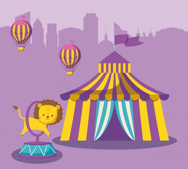 Carpa de circo con lindo animal y globos de aire caliente.