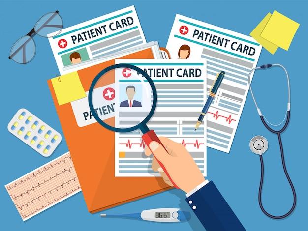 Carpeta con tarjeta de paciente