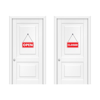 Cartel abierto y cerrado en la puerta.