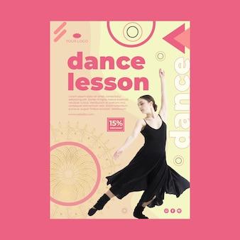 Cartel de clase de baile con foto.