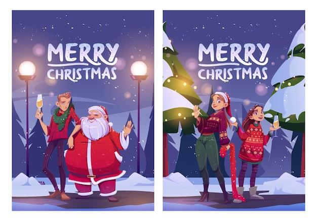 Cartel de dibujos animados de feliz navidad santa claus y hombre chicas con copa de champán parados sobre fondo de bosque de invierno con nevadas