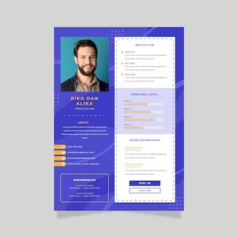 Cartel de empleado de cv en línea