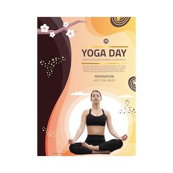 Cartel de equilibrio corporal de yoga