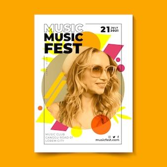 Cartel del festival de música mujer con cabello rubio