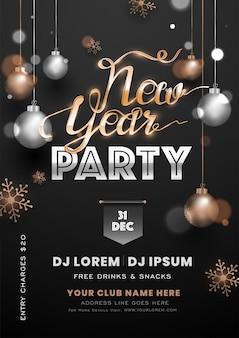 Cartel de fiesta de año nuevo decorado con adornos colgantes y copo de nieve en negro con detalles del evento.