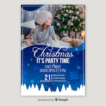 Cartel de fiesta de navidad con niño lindo