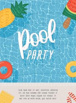 Cartel de fiesta en la piscina de verano o plantilla de volante con colchones y anillos de natación