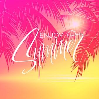 Cartel de letras de verano con fondo de palmeras en colores rosados