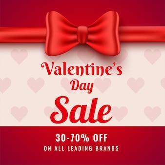 Cartel de venta de san valentín con una oferta de descuento del 30-70% y cinta de lazo rojo decorada para publicidad.
