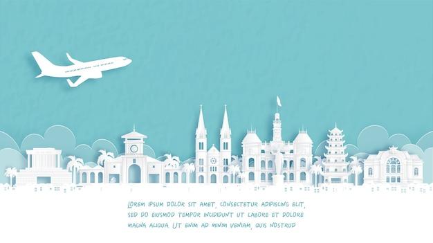 Cartel de viaje con bienvenido a la ciudad de ho chi minh, monumento famoso de vietnam en la ilustración de vector de estilo de corte de papel.