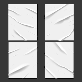 Carteles de papel mojado pegados en blanco con efecto de textura arrugada y arrugada, vector. papel encolado realista muy húmedo o lámina adhesiva con arrugas arrugadas y engrasadas, carteles blancos