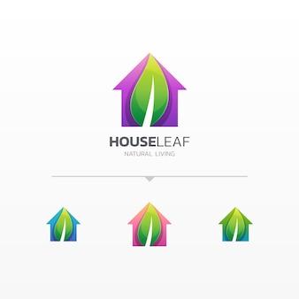 Casa creativa con logo de hoja.