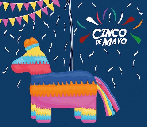 Celebración del 5 de mayo con piñata y fondo mexicano.