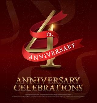 Celebración de aniversario de 4 años logo dorado