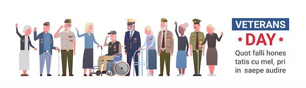 Celebración del día de los veteranos bandera estadounidense nacional festiva con un grupo de militares retirados