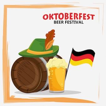 Celebración del oktoberfest con cerveza y gorro