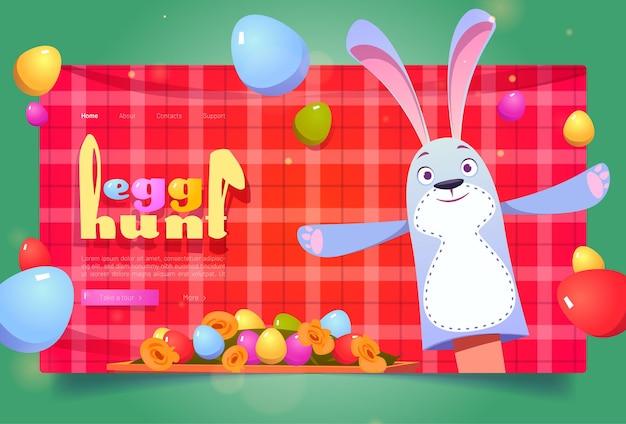 Celebración de pascua de búsqueda de huevos con marioneta de conejito