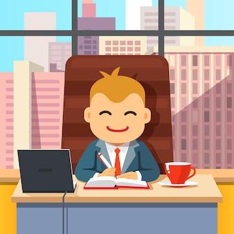 Ceo de gran jefe sentado en el escritorio con la computadora portátil