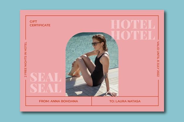 Certificado de regalo de noches de hotel moderno y elegante