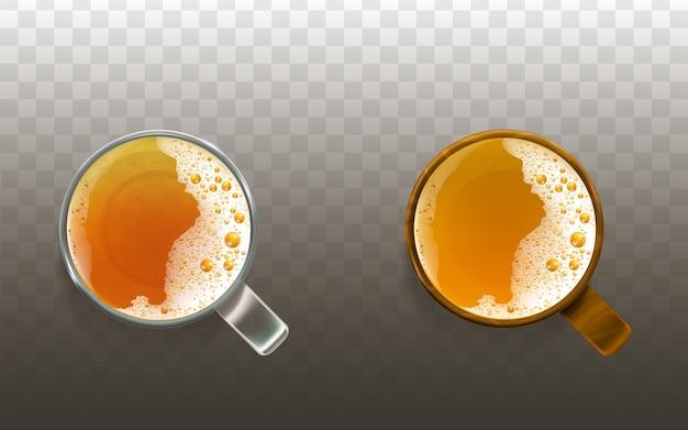 Cerveza realista en vaso, bebida espumosa vista superior. alcohol transparente dorado liquido, ale.