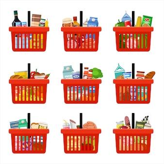 Cestas de compras con comestibles. supermercado