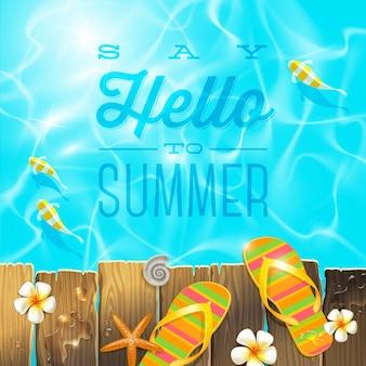 Chanclas en la vieja plataforma de madera sobre agua azul con peces tropicales - ilustración con saludo de vacaciones de verano.
