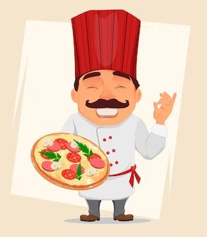 Chef cocinero sosteniendo sabrosa pizza