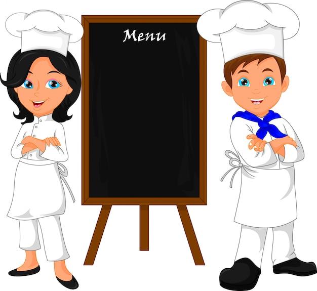 Chef con tablero de menú de madera en blanco