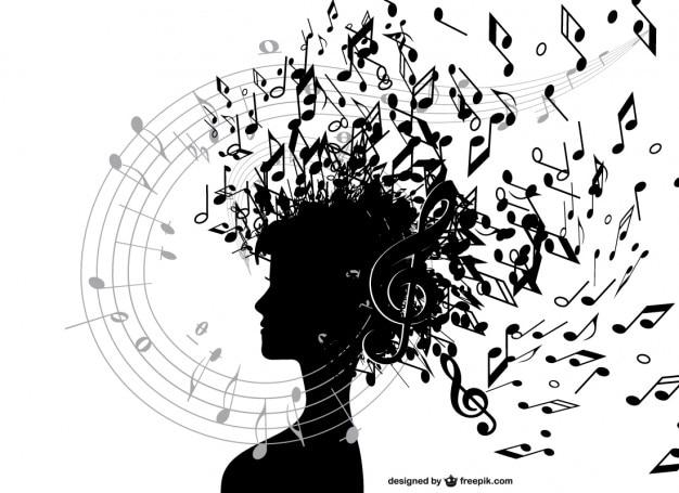 Chica con notas musicales
