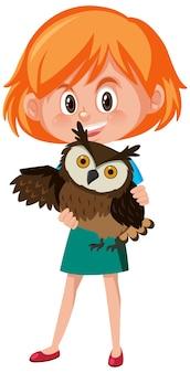 Chica sosteniendo lindo personaje de dibujos animados de animales aislado