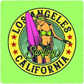 Chica con tabla de surf