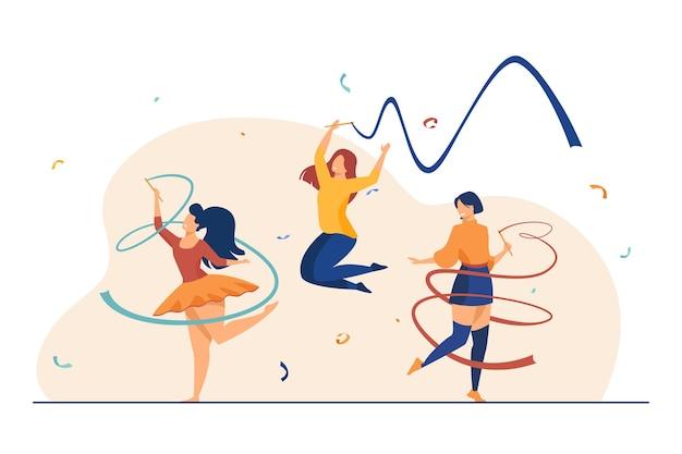 Chicas alegres entrenando con cinta