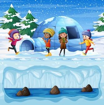 Chicas jóvenes jugando frente a igloo