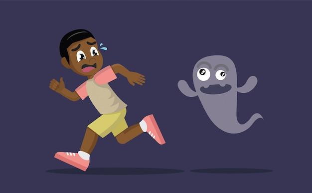 Chico africano huyendo de fantasma.