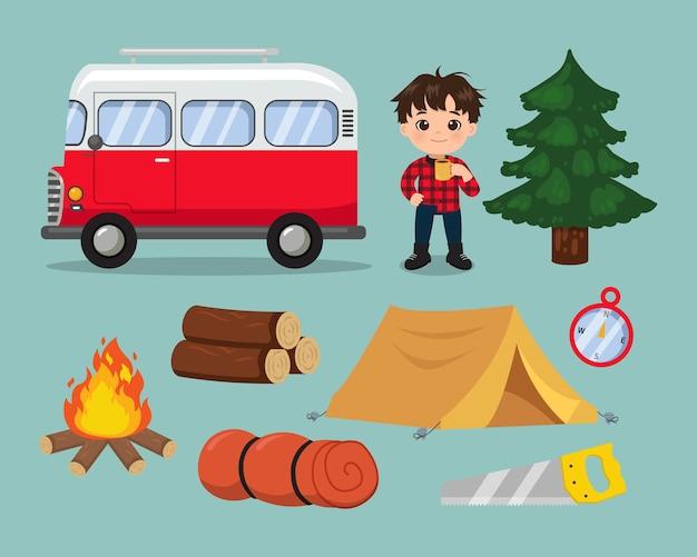 Chico lindo con elementos de camping conjunto de vacaciones de campamento de verano diseño de dibujos animados de vector plano