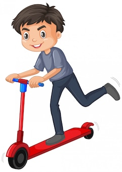 Chico lindo jugando scooter aislado