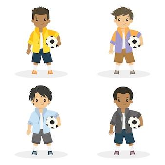 Chicos sosteniendo una pelota de futbol