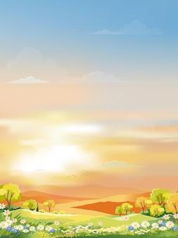 Cielo de la mañana con cielo naranja y azul con nubes.