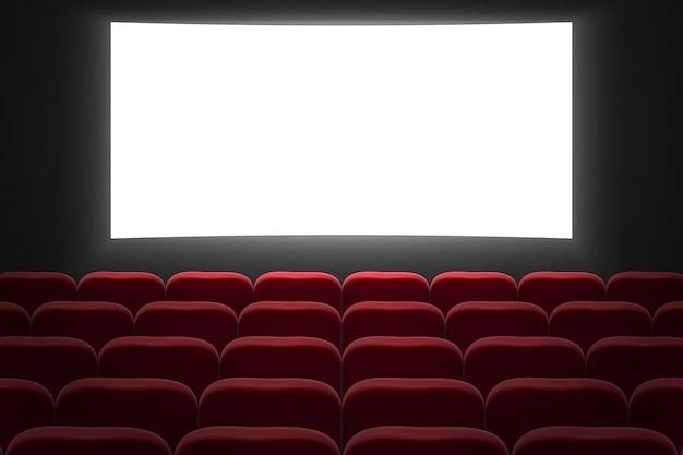 Cine sala de cine con pantalla blanca y sillas rojas de fila.