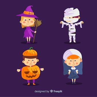Colección adorable de niños disfrazados de halloween con diseño plano