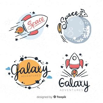 Colección adorable de insignias del espacio dibujadas a mano