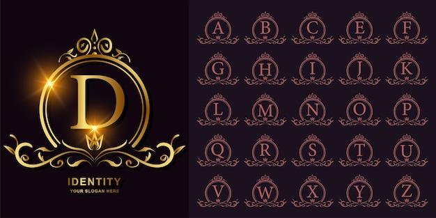 Colección alfabeto inicial con adorno de lujo o logo dorado de marco floral.