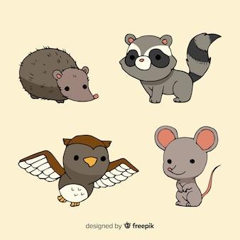 Colección de animales del bosque dibujados a mano.