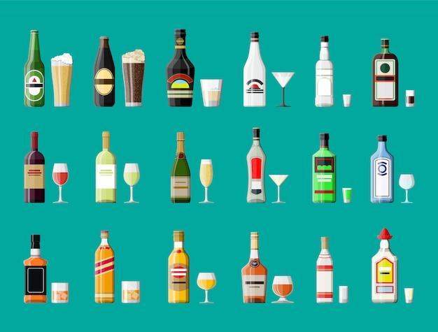 Colección de bebidas alcohólicas. botellas con vasos.