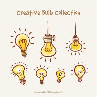 Colección de bombillas dibujadas a mano